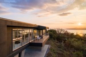 三重県 建築家と建てる家 夕陽を浴びる