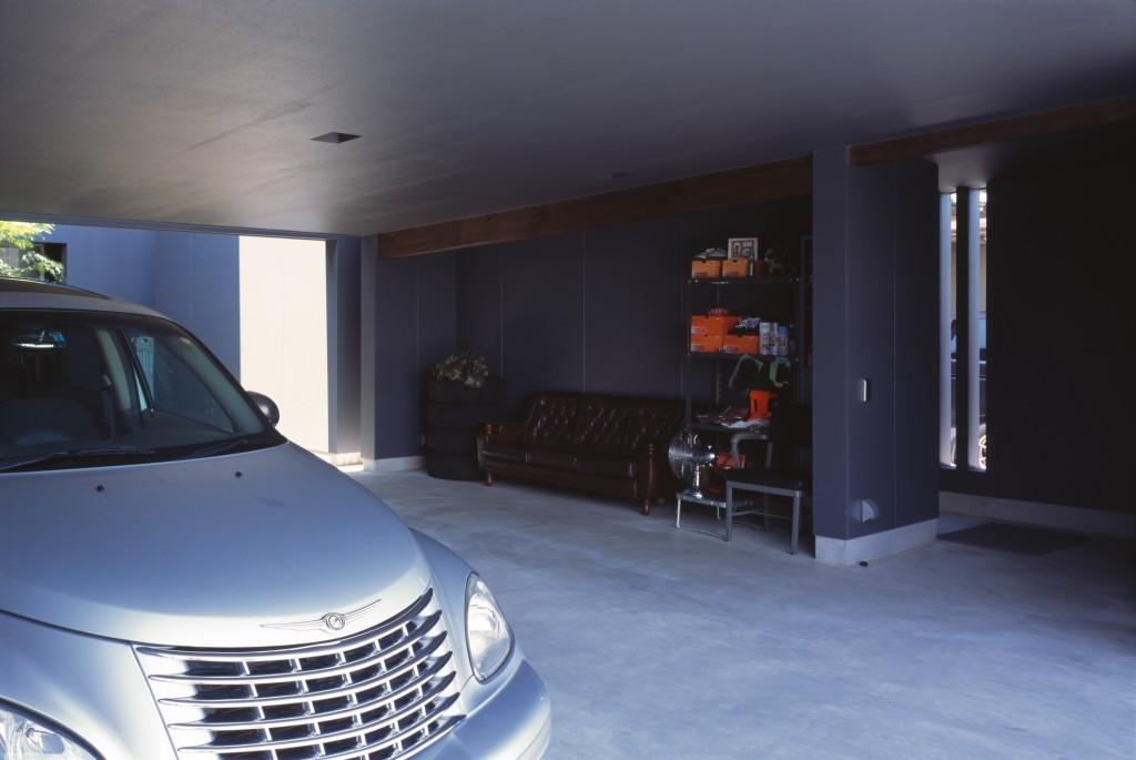 ガレージは広さも大切 物の収納や出し入れも考えてスペースを作る
