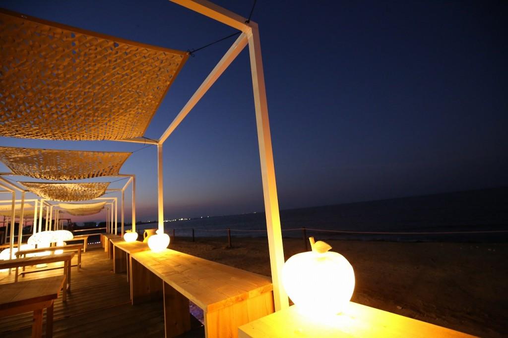 三重県津市 建築家との家づくり専門店 アポア 海の家 APOA・HALLO プロジェクションマッピング