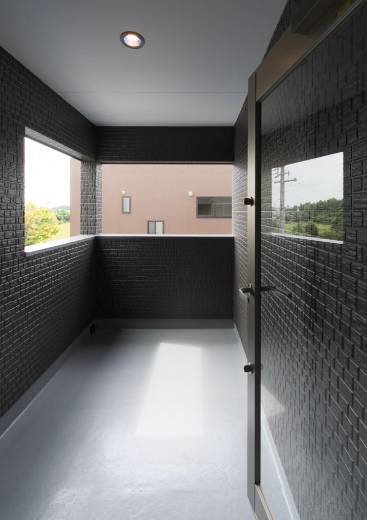 三重県津市 建築家の家 インナーバルコニー 物干し場