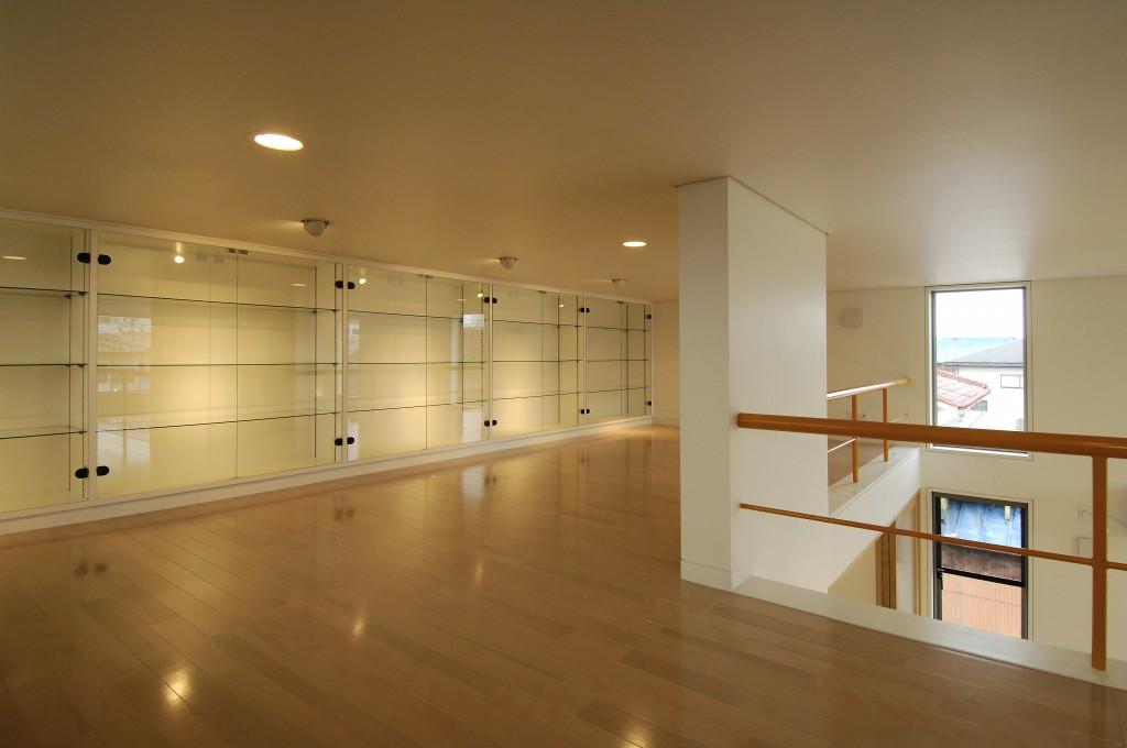 三重県津市 建築家の家 コレクションルーム ディスプレイケース 書斎 趣味室
