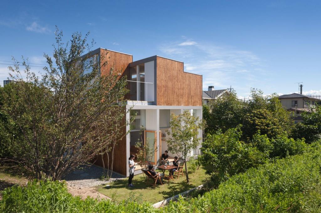 テラスで楽しくくつろぐ家 三重県建築家と建てる家