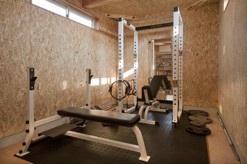 三重県松阪市 建築家との家づくり トレーニングルームのある家 ボディービル