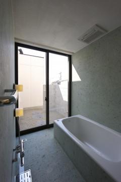愛北の家 浴室