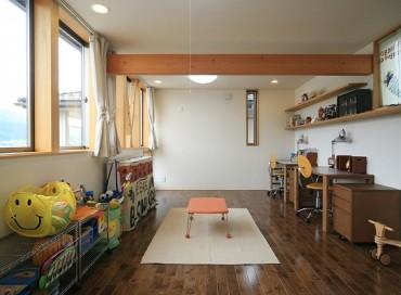 山香の家 建築家 梶浦 博昭 子供 部屋 テーブル