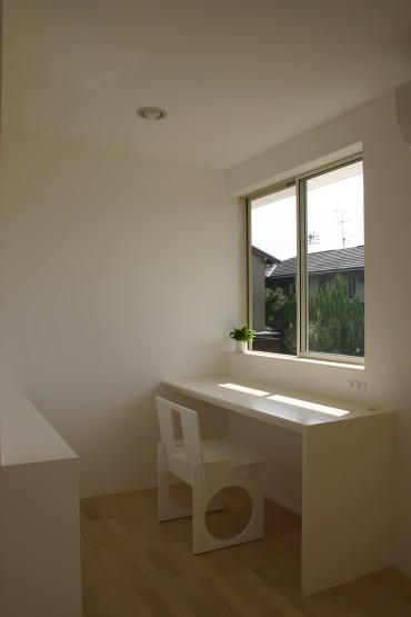 外観、外壁 キャンテ 跳ね出し 住宅 照明 デザイン 建築家 諸江