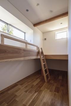 寝室 ベッド 和光の家 建築家 梶浦 博昭