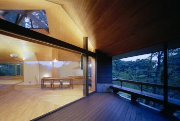 浅向荘 建築家 アトリエ ガク 写真家 上田 宏 大きな窓 バルコニー