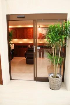 自動ドア入り口 建築家