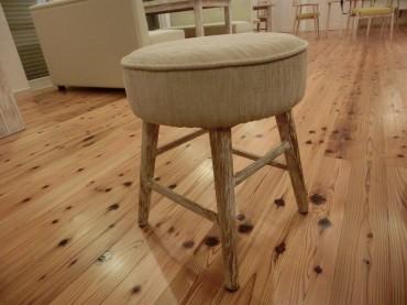 リビング 玄関 オリジナル家具 丸椅子 ナチュラル 建築家 浜田 強