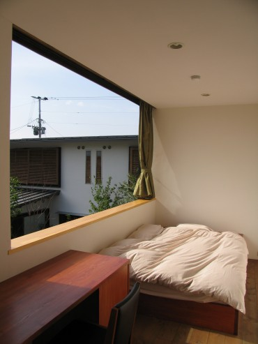 旅館 建築家 竹中 アシュ 部屋 洋風 大きな窓