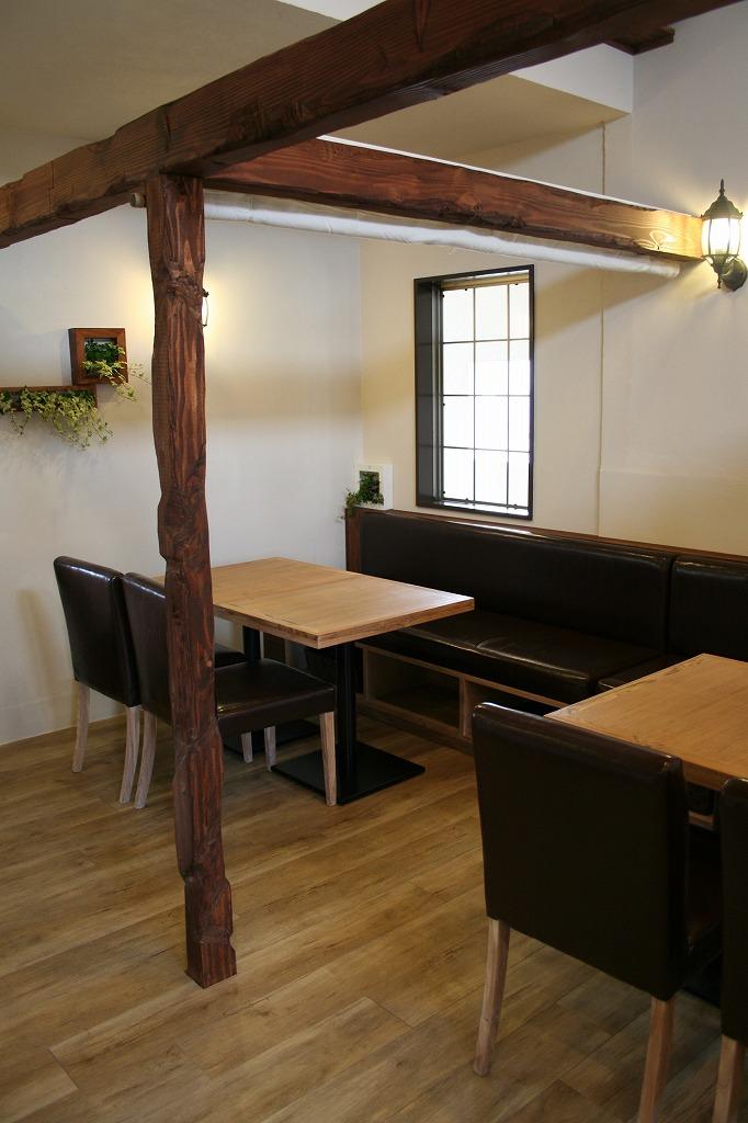 パーゴラ風テーブル席 建築家