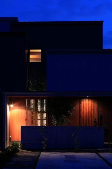 外観 夜 月桂の家 建築家 梶浦 博昭