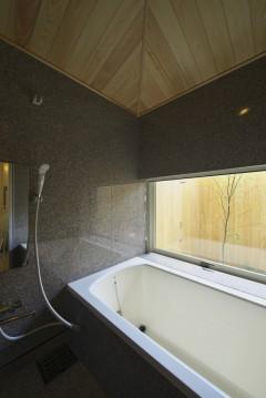 岩倉の家 浴室