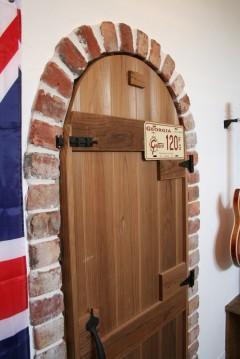木の扉 建築家