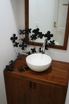 洗面台にアイアン 店舗設計