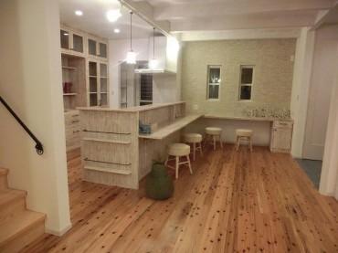 キッチン 玄関 オリジナル家具 ナチュラル 建築家 浜田 強