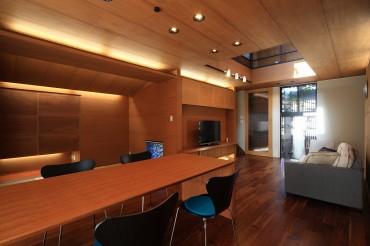 リビング 机 椅子 ダイニングテーブル ソファー 月桂の家 建築家 梶浦 博昭