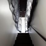 階段 カーテン 黒