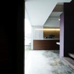リビング コンクリート床 紫 シンプル 梁