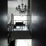 バルコニー 階段 シャンデリア